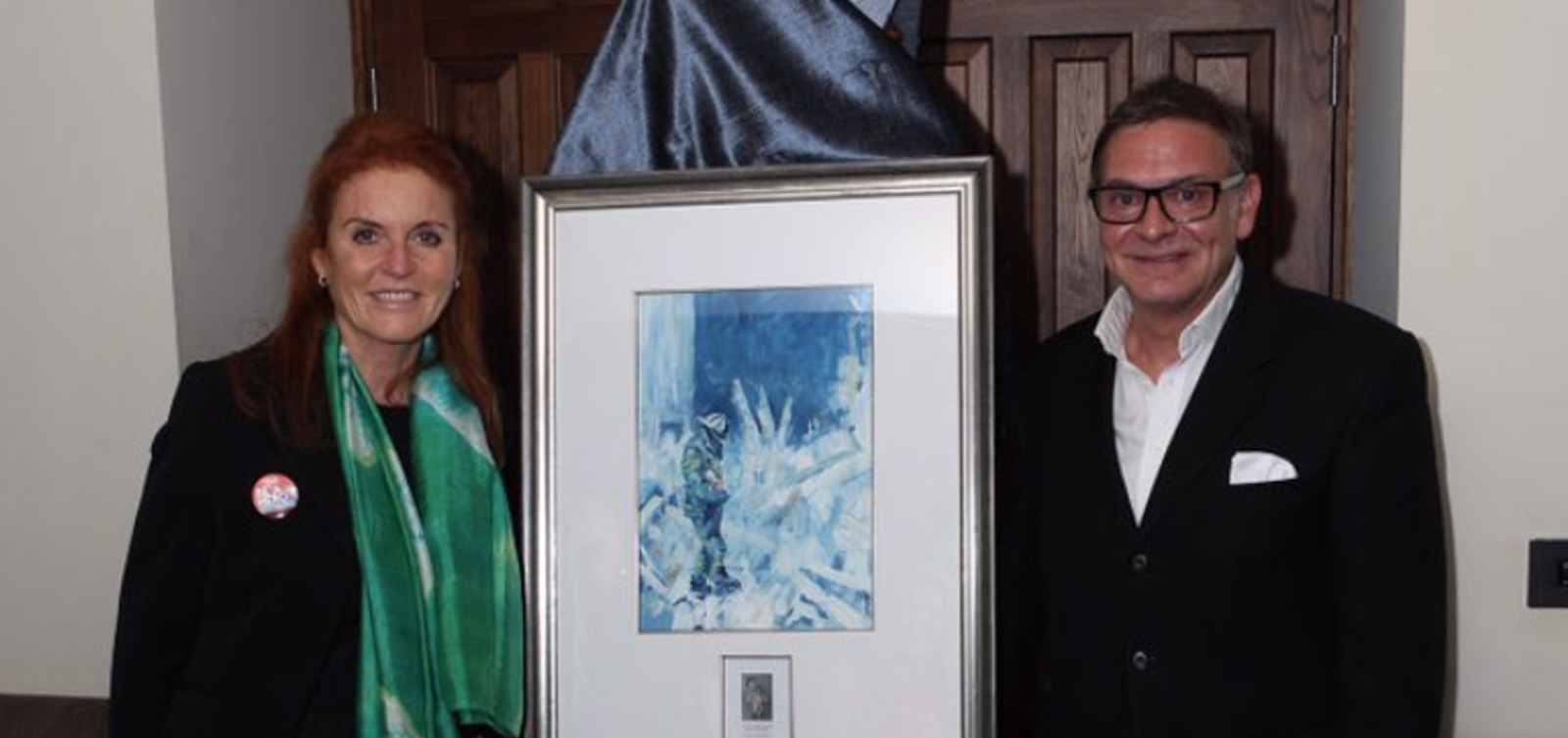 "The Duchess of York receiving her commissioned painting ""Little Red"" by Richard Gower"